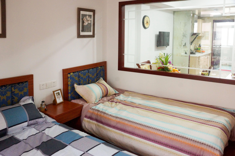 曜阳二期公寓样板房卧室(双人床)